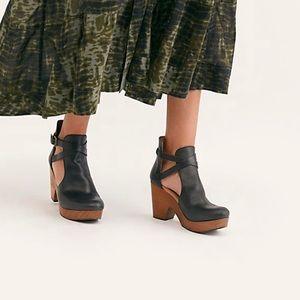 New Free People Cedar Clog Sandal  Black Leather